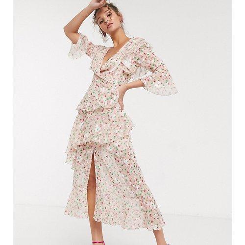 Robe longue volantée à décolleté profond et imprimé floral - Blush - Dark Pink - Modalova