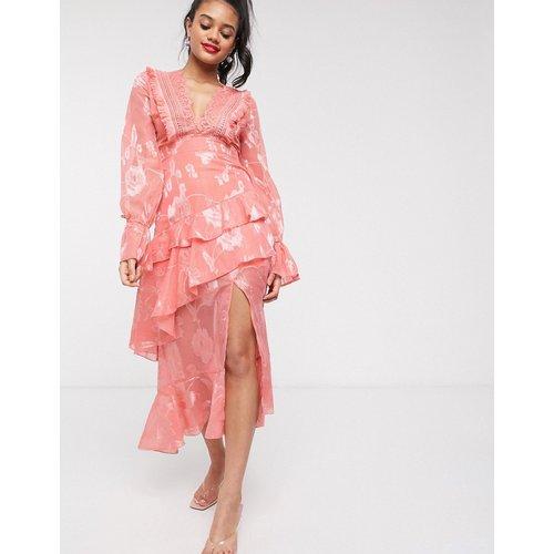 Robe mi-longue à volants avec décolleté plongeant - Abricot - Dark Pink - Modalova