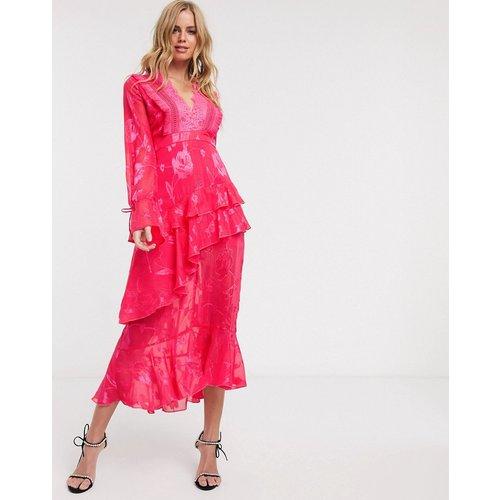 Robe mi-longue décolleté plongeant à franges - fuchsia - Dark Pink - Modalova