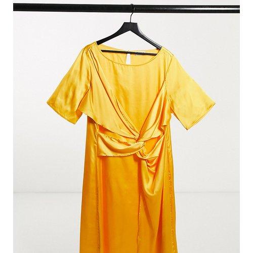 Plus - Robe mi-longue avec détail torsadé - Elvi - Modalova