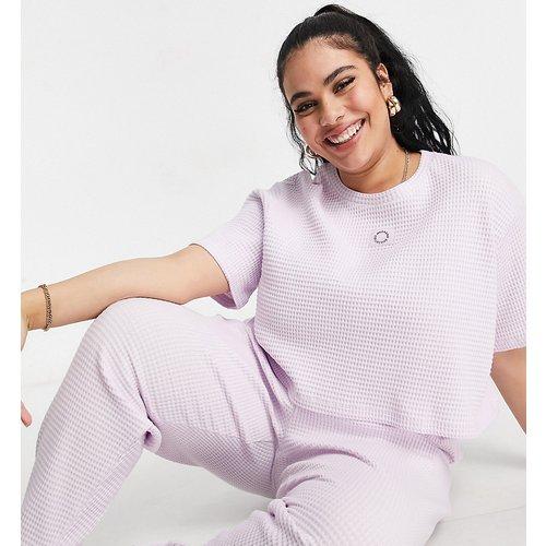 Exclusivité - Curve - T-shirt crop top confort en tissu gaufré - Lilas - ASOS Weekend Collective - Modalova