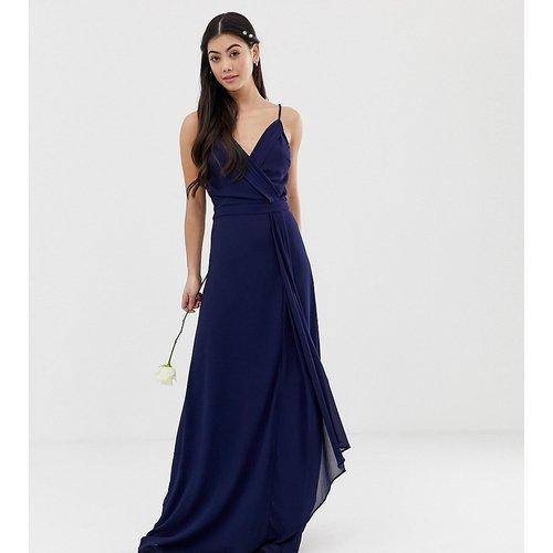 Exclusivité - Robe cache-cœur longue style caraco pour demoiselle d'honneur avec ourlet en pointe - Bleu marine - TFNC Petite - Modalova