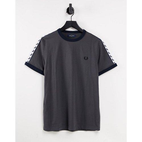 T-shirt avec bordures et bandes contrastantes - acier - Fred Perry - Modalova