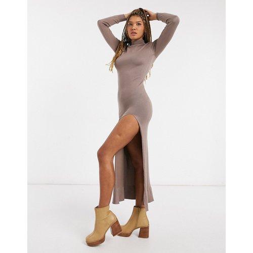 Robe longue fendue en maille à col montant - Moka - Girl In Mind - Modalova