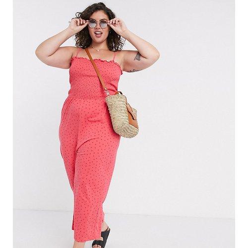 Combinaison large à imprimé petites fraises avec corsage froncé - Glamorous Curve - Modalova