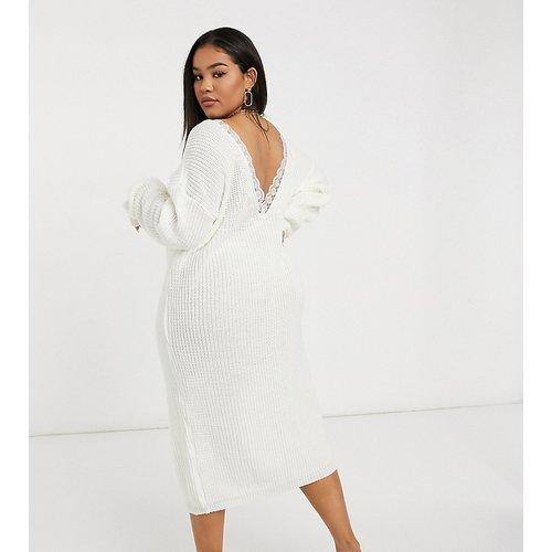 Robe pull en maille avec encolure échancrée au dos et garniture en dentelle - Glamorous Curve - Modalova
