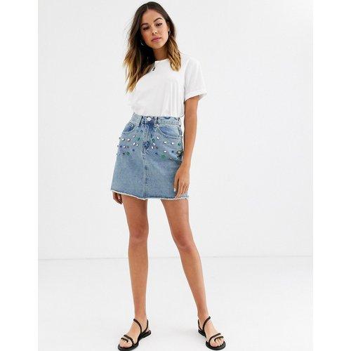 Mini-jupe en jean ornée de pierres - Glamorous - Modalova