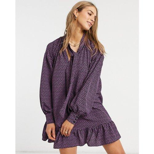 Robe babydoll courte à col lavallière et motif petites fleurs - Violet - Glamorous - Modalova