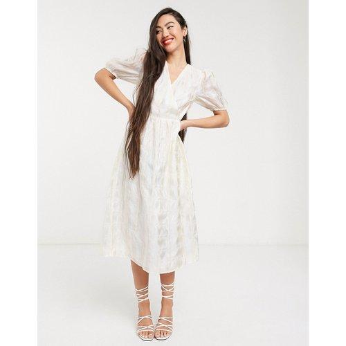 Robe portefeuille mi-longue à manches bouffantes en organza à carreaux - Glamorous - Modalova