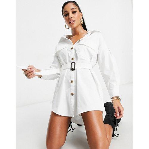 Robe chemise oversize à ceinture - I Saw It First - Modalova
