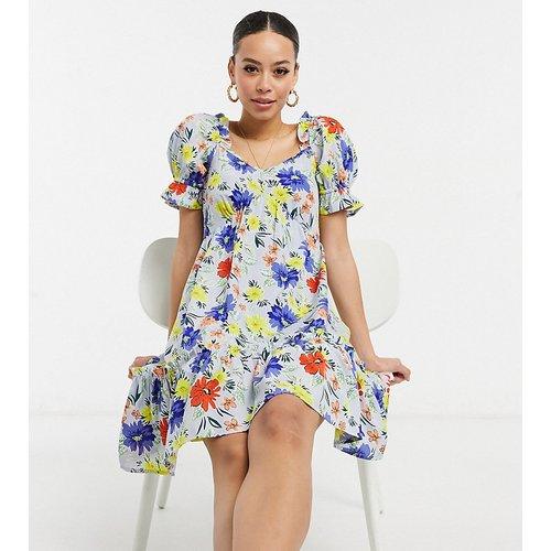 Robe courte fleurie aux couleurs vives - Influence Tall - Modalova