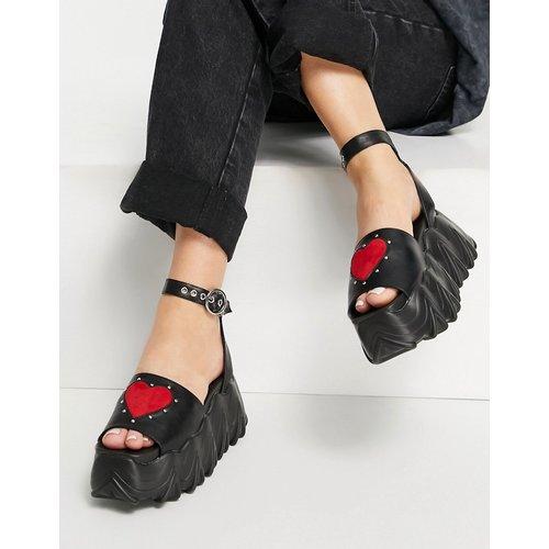 Sandales à plateforme chunky avec cœur rouge - Lamoda - Modalova