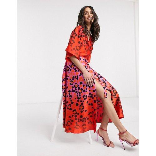 Robe cache-cœur longue à imprimé léopard effet dégradé - Rose vif et rouge - Liquorish - Modalova