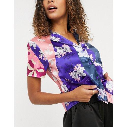 Vêtements de nuit - Haut de pyjama à imprimé floral effet patchwork - Liquorish - Modalova
