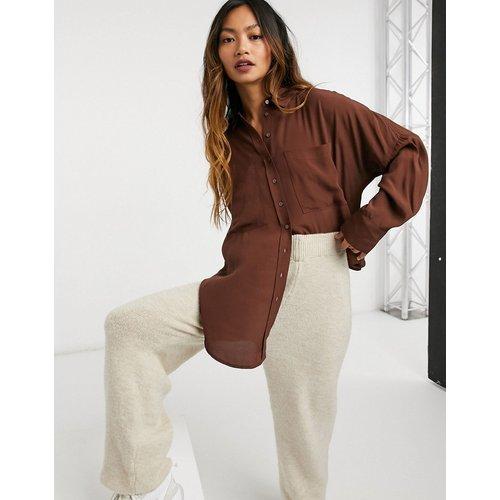 Chemise oversize à deux poches - chocolat - Mango - Modalova