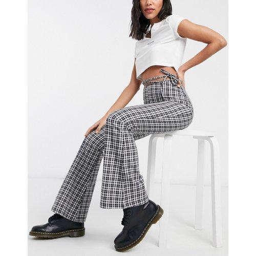 Pantalon évasé taille haute à découpe et carreaux vintage style années 90 - Milk It - Modalova