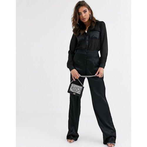 Combinaison avec chemise en mousseline et bas en satin - Missguided - Modalova