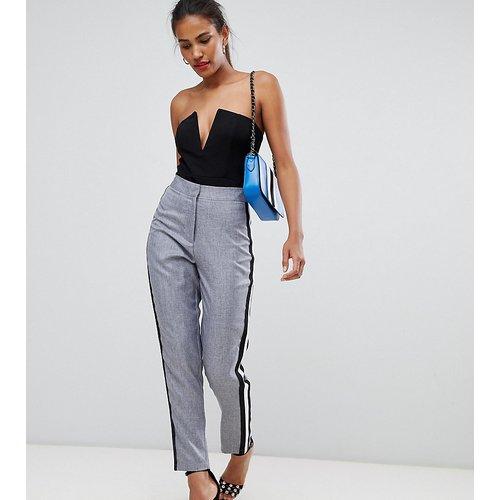 Pantalon cigarette avec rayure sport - Missguided - Modalova