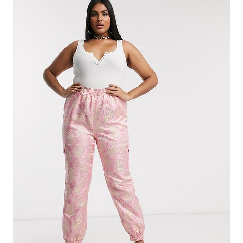 Pantalon cargo à motif jacquard - Missguided Plus - Modalova