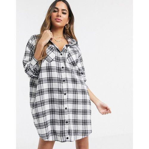 Robe chemise oversize à carreaux - Blanc - Missguided - Modalova