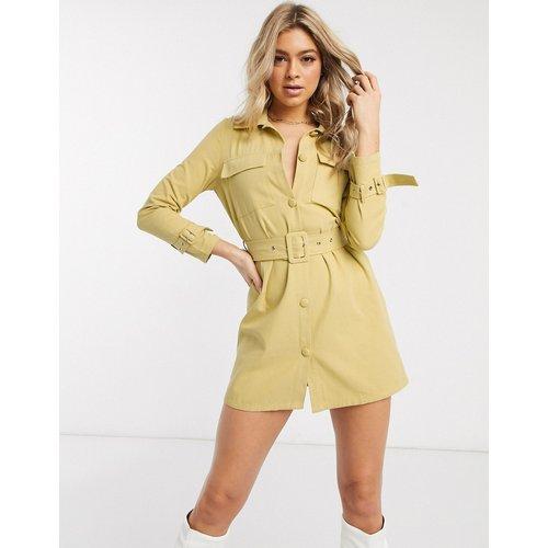 Robe en jean avec ceinture - Moutarde - Missguided - Modalova