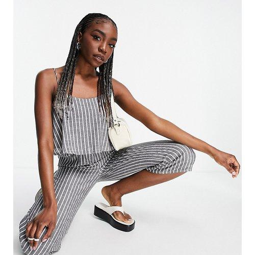Combinaison jupe-culotte à bretelles avec rayures - Gris - Missguided Tall - Modalova
