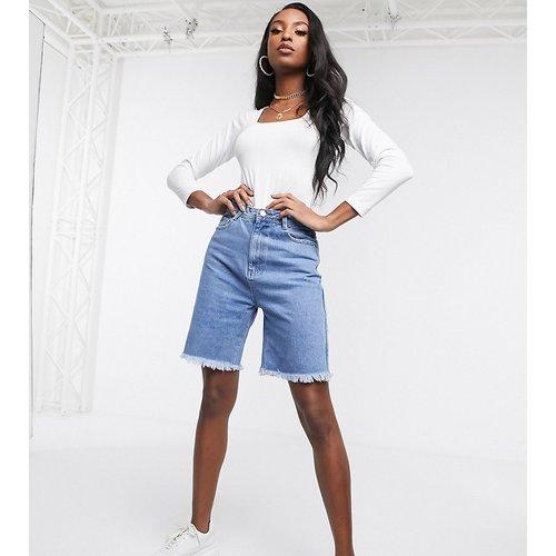 Short long en jean - Missguided Tall - Modalova