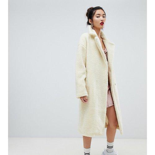Manteau en fausse fourrure style peluche avec gros col - Blanc cassé - NA-KD - Modalova