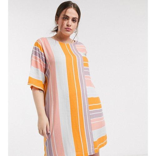 Robe droite courte et décontractée à rayures colorées - Native Youth Plus - Modalova