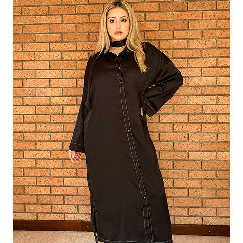 Robe longue décontractée boutonnée sur l'avant en satin brillant avec coutures contrastantes - Native Youth Plus - Modalova