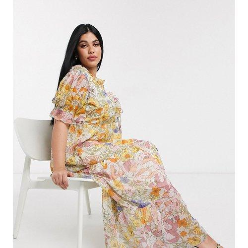 Robe longue avec jupe à volants superposés et motif fleuri vintage - Neon Rose Plus - Modalova