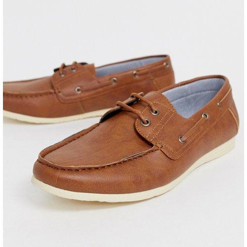 Chaussures bateau similicuir - Fauve - New Look - Modalova