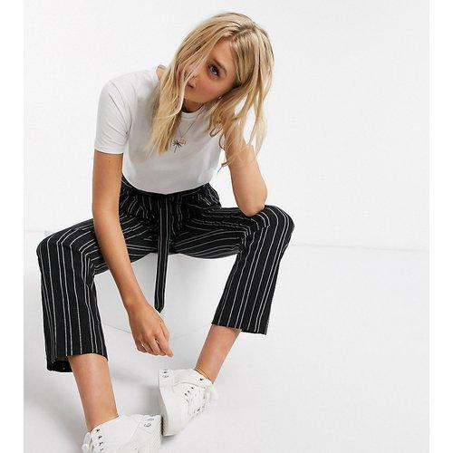 Pantalon à rayures noué à la taille - New Look Tall - Modalova