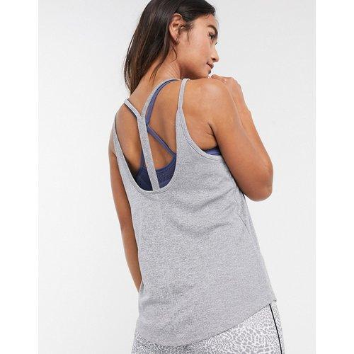 Nike - Débardeur de yoga côtelé à bretelles - Nike Training - Modalova