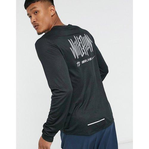 Pacer- Top manches longues avec logo graphique - Nike Running - Modalova