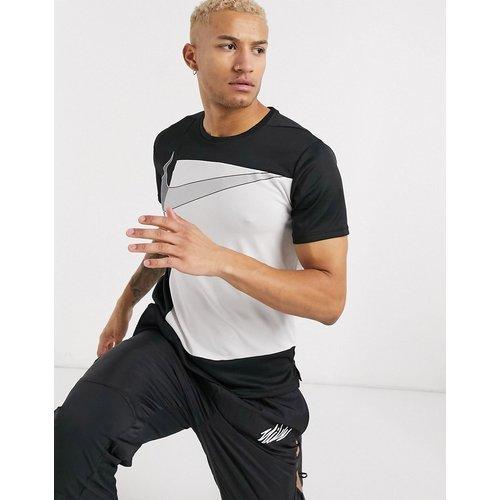 Superset - T-shirt à imprimé graphique - Nike Training - Modalova