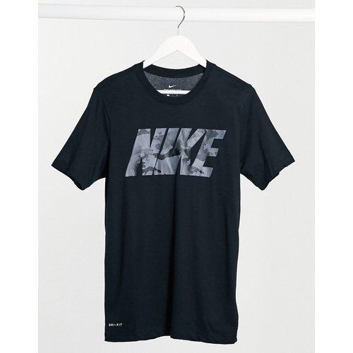 T-shirt à grand logo imprimé camouflage - Nike Training - Modalova