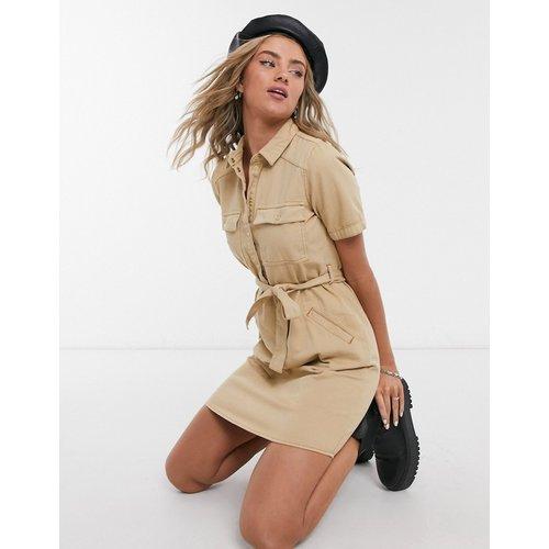 Robe chemise avec ceinture - Camel - Noisy May - Modalova