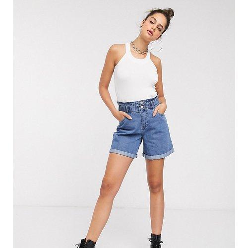 Short mom oversize en jean - délavé moyen - Noisy May Tall - Modalova