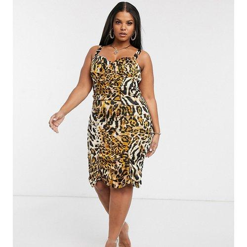 Robe moulante froncée à imprimé léopard - Pretty Darling Plus - Modalova