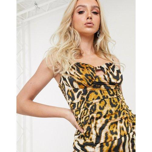 Robe moulante froncée à motif léopard - Pretty Darling - Modalova