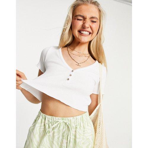- T-shirt crop top boutonné sur le devant en jersey - Pull&Bear - Modalova