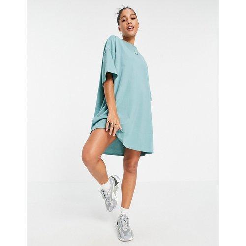 Robe t-shirt à petit logo - sauge - Puma - Modalova