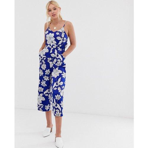 Combinaison style jupe-culotte à fleurs avec lien au dos - QED London - Modalova