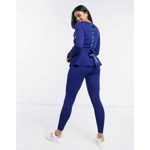 Ensemble top à ourlet à basque avec dos ondulé et leggings - Bleu marine - QED London - Modalova