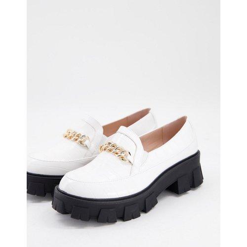 Alessio - Chaussures chunky plates effet crocodile avec chaîne dorée - Raid - Modalova