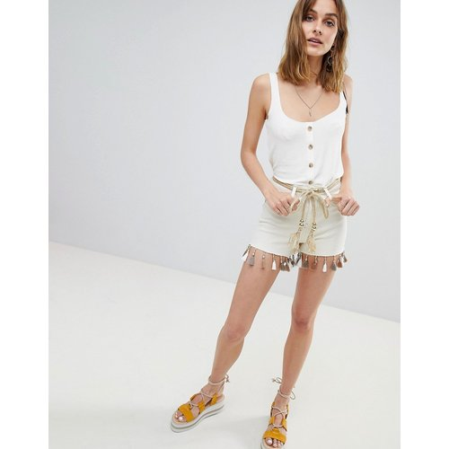Short en jean taille haute avec pampilles - River Island - Modalova