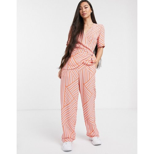 Pantalon d'ensemble à rayures dépareillé - Soaked in Luxury - Modalova