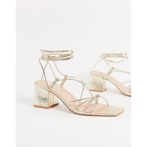 Sandales à talons avec lanières nouées - Stradivarius - Modalova