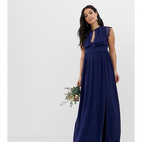 Robe longue de demoiselle d'honneur avec détails en dentelle - Bleu marine - TFNC Maternity - Modalova